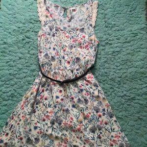 Floral dress, w/ belt